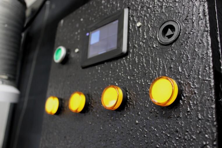 Brauautomatisierung Schaltschrank LEDs Display BrewPI